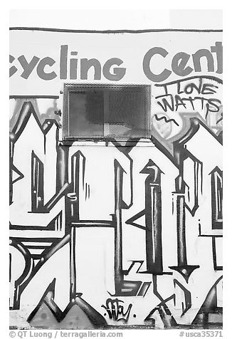 Mural, Watts. Watts, Los Angeles, California, USA (black and white)