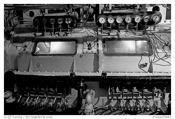 Machinery in the engine room of the Queen Mary. Long Beach, Los Angeles, California, USA (black and white)