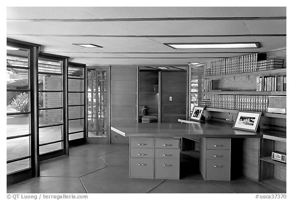 Library and study, Hanna House, a Frank Lloyd Wright masterpiece. Stanford University, California, USA (black and white)
