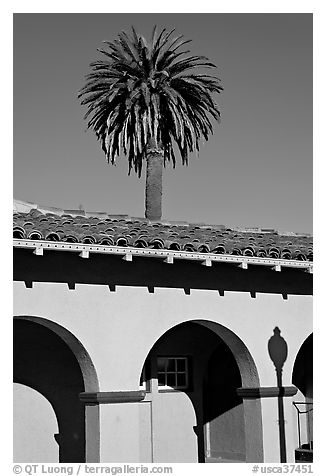 Palm tree and arches, historical train depot. Burlingame,  California, USA (black and white)
