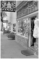 Giftshop decorated with pumpkins. Half Moon Bay, California, USA (black and white)