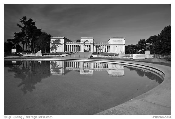 Basin reflecting California Palace of the Legion of Honor, Lincoln Park. San Francisco, California, USA