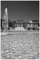 Fountain and Palace of the Legion of Honor, Lincoln Park. San Francisco, California, USA (black and white)