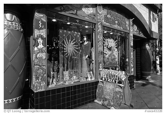 Positively Haight Street store. San Francisco, California, USA (black and white)