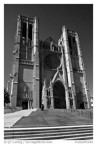 Grace Cathedral from the front steps. San Francisco, California, USA (black and white)