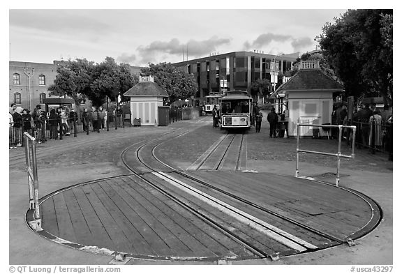 Turn table at cable car terminus. San Francisco, California, USA (black and white)