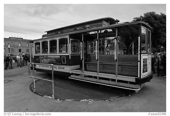 Cable car on turn table. San Francisco, California, USA (black and white)