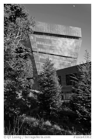 Hamon Tower and moon, late afternoon, De Young Museum. San Francisco, California, USA (black and white)