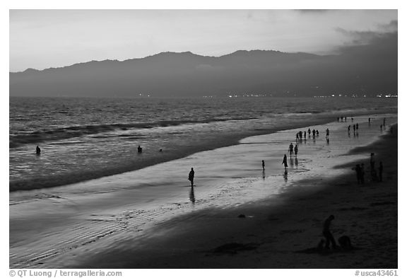Beach and Santa Monica Mountains at sunset. Santa Monica, Los Angeles, California, USA (black and white)