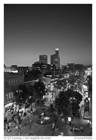Third Street Promenade and downtown buildings at sunset. Santa Monica, Los Angeles, California, USA (black and white)