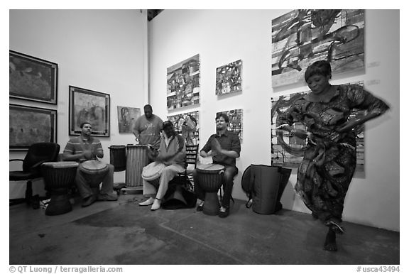 Black and white picture photo african drums and dance inside art gallery bergamot station santa monica los angeles california usa