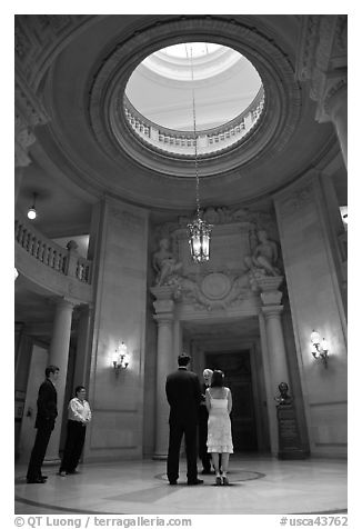 Wedding in the City Hall rotunda. San Francisco, California, USA (black and white)