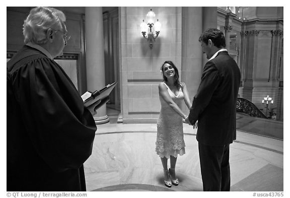 Marriage in the City Hall rotunda. San Francisco, California, USA (black and white)