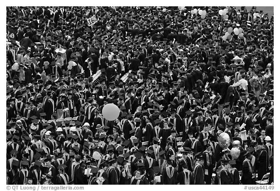 Mass of graduates in academic robes. Stanford University, California, USA (black and white)