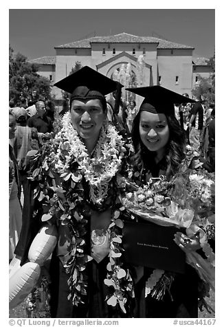 Graduates wearing flower garlands. Stanford University, California, USA (black and white)