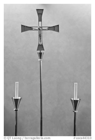 Candles and cross, Oakland Cathedral. Oakland, California, USA (black and white)