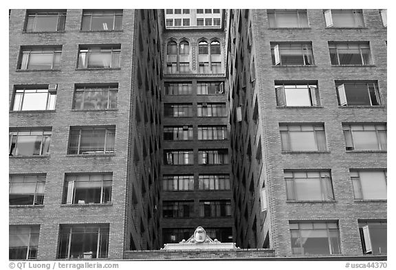 Downtown old high rise building. Oakland, California, USA (black and white)