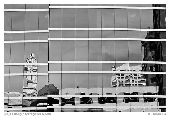 Reflections in glass buiding. Oakland, California, USA (black and white)