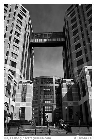 Federal building. Oakland, California, USA (black and white)