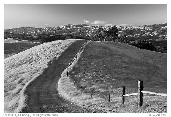 Path on crest of Evergreen Hills. San Jose, California, USA (black and white)