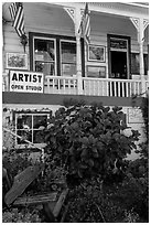 Art gallery, Sausalito. California, USA (black and white)