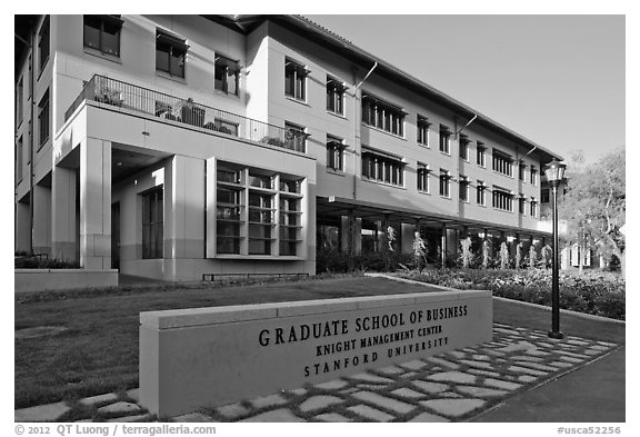 Knight Management Center, Graduate School of Business. Stanford University, California, USA (black and white)