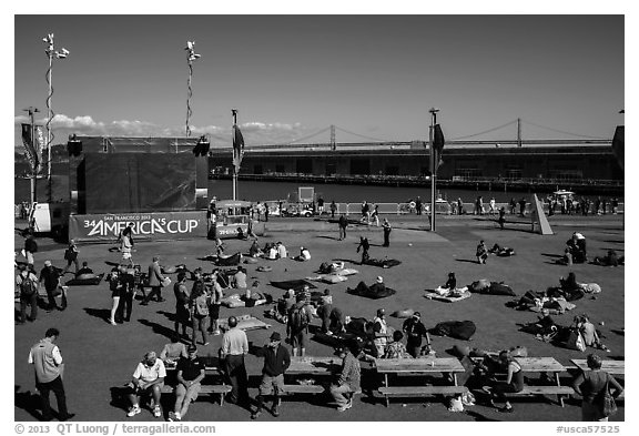 Synthetic lawn and giant screen, America's Cup Park. San Francisco, California, USA (black and white)