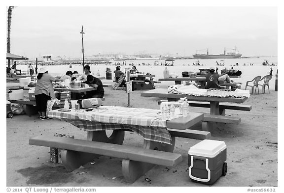 Picnic tables on beach, San Pedro. Los Angeles, California, USA (black and white)
