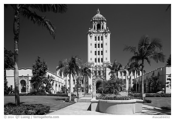 Berverly Hills City Hall. Beverly Hills, Los Angeles, California, USA (black and white)
