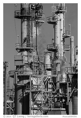 Process unit, refinery, Manhattan Beach. Los Angeles, California, USA (black and white)