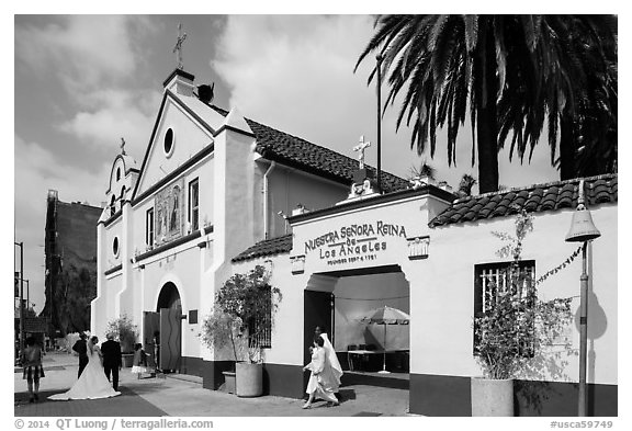 Wedding at Mission Nuestra Senora Reina de Los Angeles. Los Angeles, California, USA (black and white)