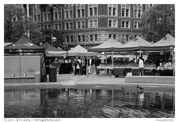 Farmers Market on Pershing Square. Los Angeles, California, USA (black and white)