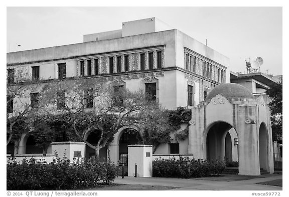 Ornate building and arch on Caltech campus. Pasadena, Los Angeles, California, USA (black and white)