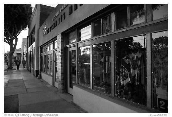 Downtown street at sunset. Santa Monica, Los Angeles, California, USA (black and white)