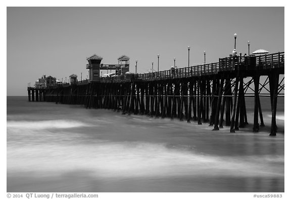 Oceanside Pier. California, USA (black and white)