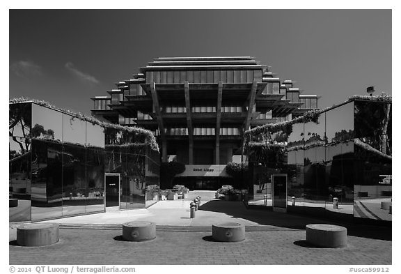 Entrance of Geisel Library, University of California. La Jolla, San Diego, California, USA (black and white)
