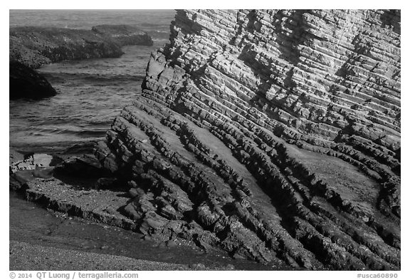 Stratified rock, Montana de Oro State Park. Morro Bay, USA (black and white)