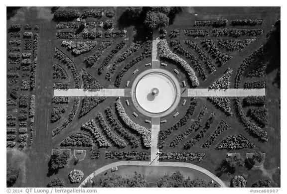Aerial view of fontain in Rose Garden. San Jose, California, USA (black and white)