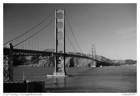 Golden Gate bridge, afternoon. San Francisco, California, USA (black and white)