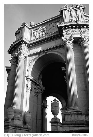 Rotunda of the Palace of Fine arts, late afternoon. San Francisco, California, USA (black and white)