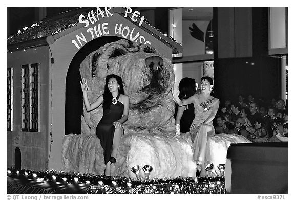 Float with figure for the Year of the Dog. San Francisco, California, USA (black and white)