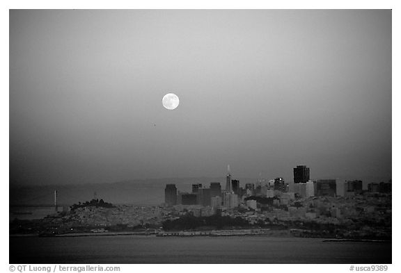 Moonrise over the city. San Francisco, California, USA (black and white)