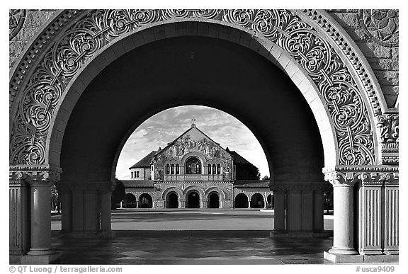 Memorial Chapel through the Quad's arch, early morning. Stanford University, California, USA (black and white)