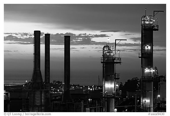 Chimneys of ConocoPhillips Oil Refinery, Rodeo. San Pablo Bay, California, USA (black and white)