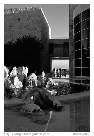 Courtyard, Getty Museum, Brentwood. Los Angeles, California, USA (black and white)