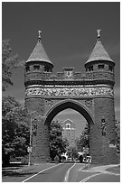 Soldiers and Sailors Memorial Arch, first triumphal arch in the United States. Hartford, Connecticut, USA (black and white)