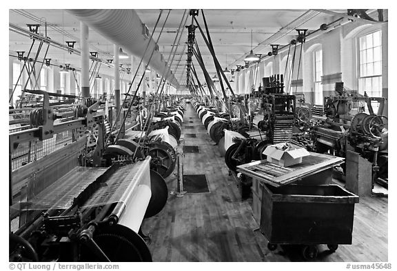 Weave Room, Boott Cottom Mills Museum, Lowell National Historical Park. Massachussets, USA (black and white)