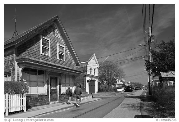 Residential Street, Provincetown. Cape Cod, Massachussets, USA (black and white)