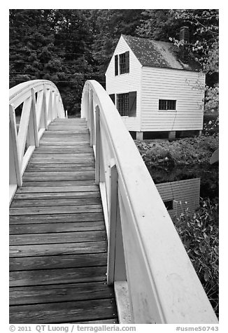 White wooden bridged and house. Maine, USA (black and white)