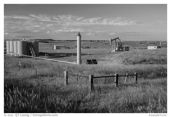 Jack pump. North Dakota, USA (black and white)